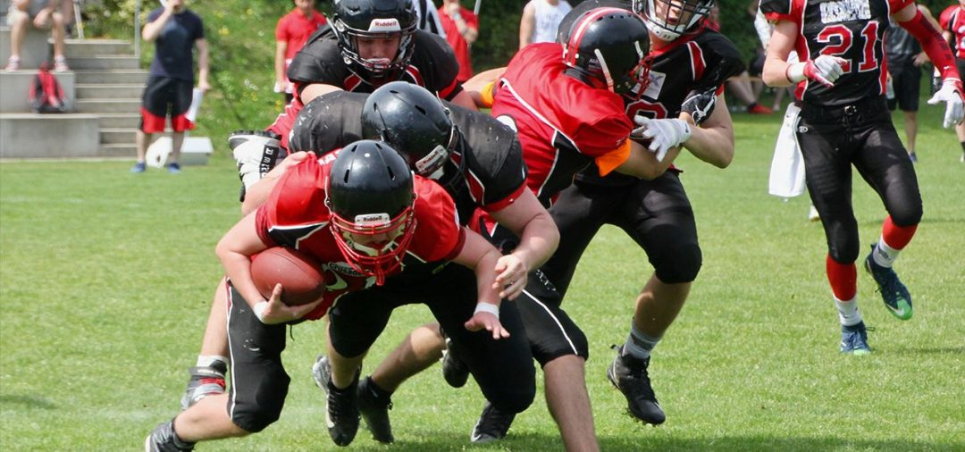 Wildcats Juniors dominieren beim Football Derby